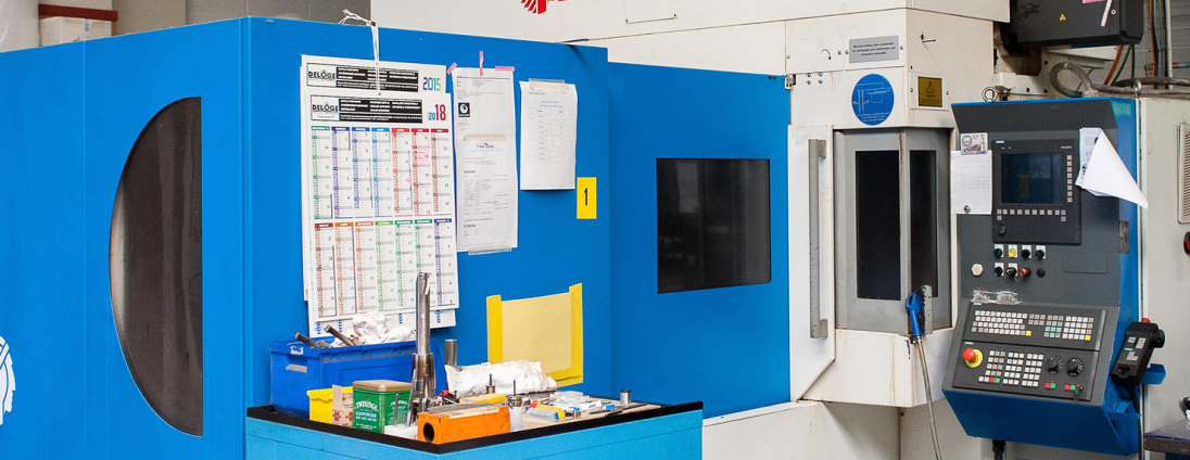 centre d'usinage pour pièces plastiques, type PEEK, PTFE, POM, PA6,...