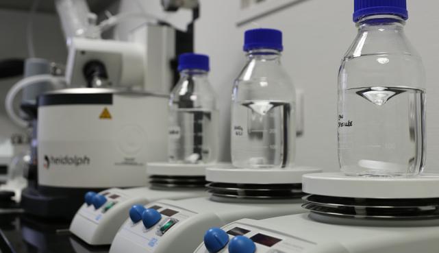 essais de trempage joints Novelast®, FFKM/FFPM type Kalrez®